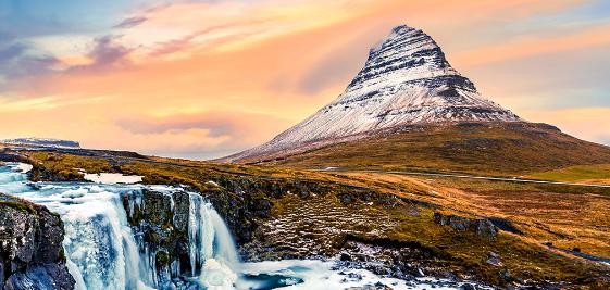 La terre islandaise vous ouvre les bras…